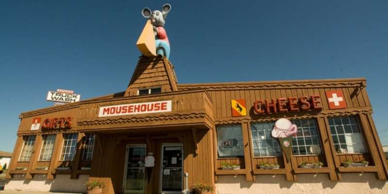 Enjoy a delicious meal at one of the local restaurants including the Mousehouse Cheeshaus.